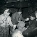 Giacomo nei primi anni '70 con alcuni amici montanari.