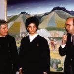 Da sinistra Giacomo Bergomi, il figlio Stefano e il senatore Giovanni Prandini, ministro della Marina Mercantile alla vernice della personale alla Galleria Meravigli di Milano il 17 dicembre 1988.