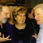 Il giornalista Giorgio Sbaraini e Bergomi alla mostra Tepuy, cascate, fiori e indios nell'ottobre 1999 a Villa Calini Morando di Lograto.